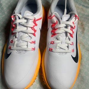 Nike Lunarlon Golf Shoes Sneakers. Please note no